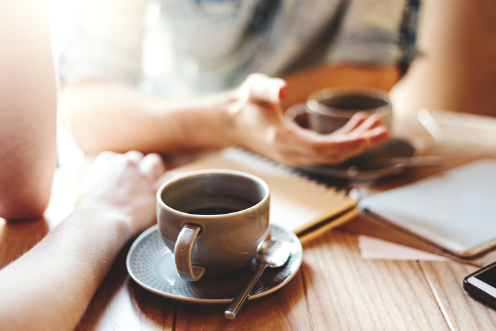 まずは会って話したい人におすすめの出会い系サイト4選
